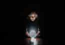 La boule de cristal, avis de Danaé Roux Custode
